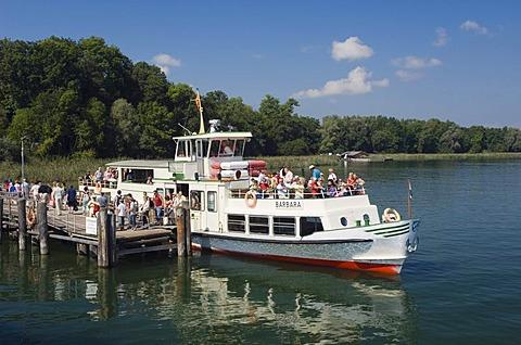 Excursion boat landing at Herreninsel, Chiemsee lake, Chiemgau, Upper Bavaria, Bavaria, Germany, Europe