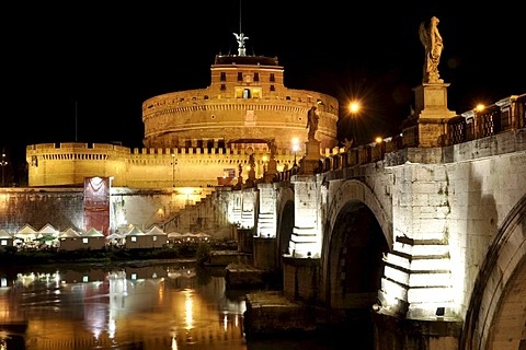 Ponte Sant'Angelo, Bridge of Angels, Castel Sant'Angelo, Castle of Angels, Rome, Lazio, Italy, Europe
