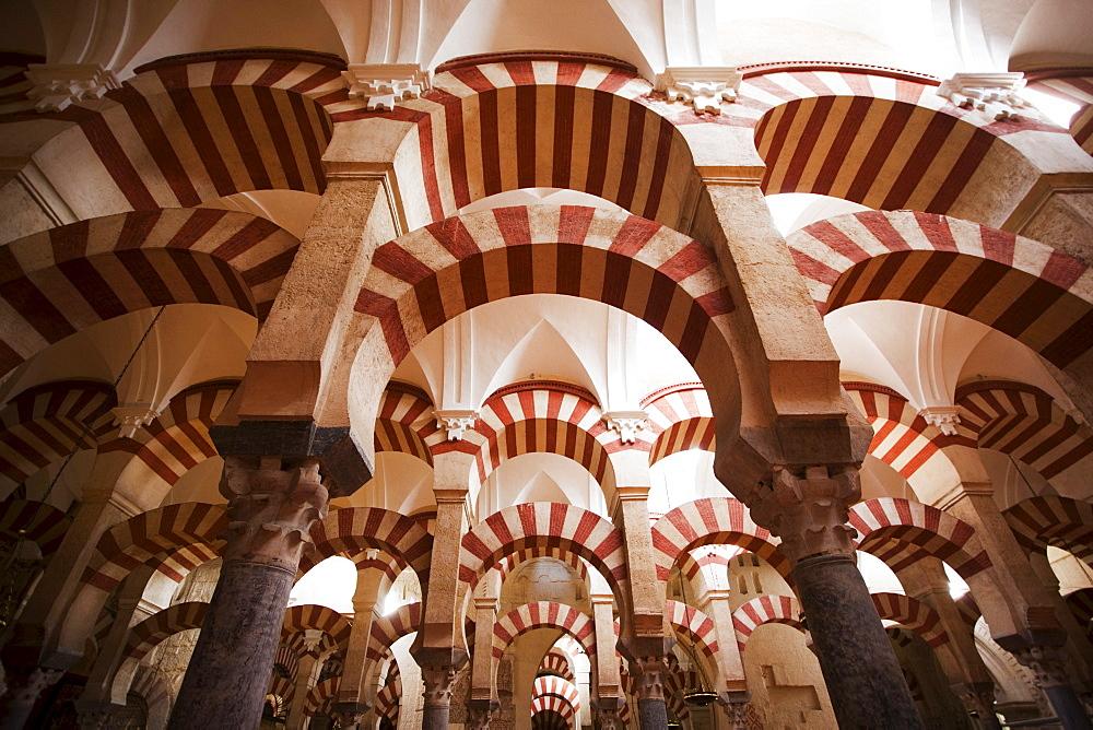 Moorish arches at La Mezquita, mosque, Cordoba Cathedral, Cordoba, Andalusia, Spain, Europe