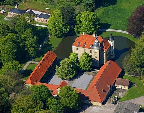 Aerial view, moated castle, Haus Heeren manor, Schloss Heeren castle, Heeren-Werve, Kamen, Ruhrgebiet region, North Rhine-Westphalia, Germany, Europe
