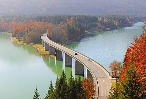 Sylvenstein-Bruecke bridge, Sylvensteinstausee reservoir, autumn, Isar, Upper Bavaria, Germany, Europe