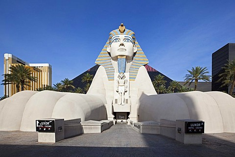 Luxor Hotel with the pyramid and the Sphinx, Las Vegas, Nevada, USA