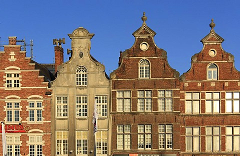 Gabled houses on the Groten Markt market square, Oudenaarde, West Flanders, Flanders, Belgium, Europe