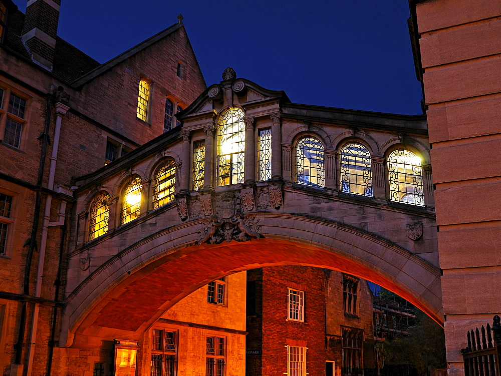Bridge of Sighs, New College Lane, built to link the old and the new quadrangles of Hertford College, the bridge spans new College Lane, Oxford, Oxfordshire, England, United Kingdom, Europe