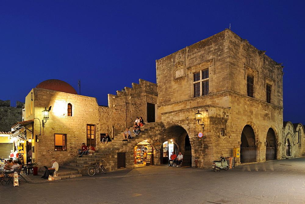Kastellania on Platia Ippokratou, Rhodes Town, Rhodes, Greece, Europe