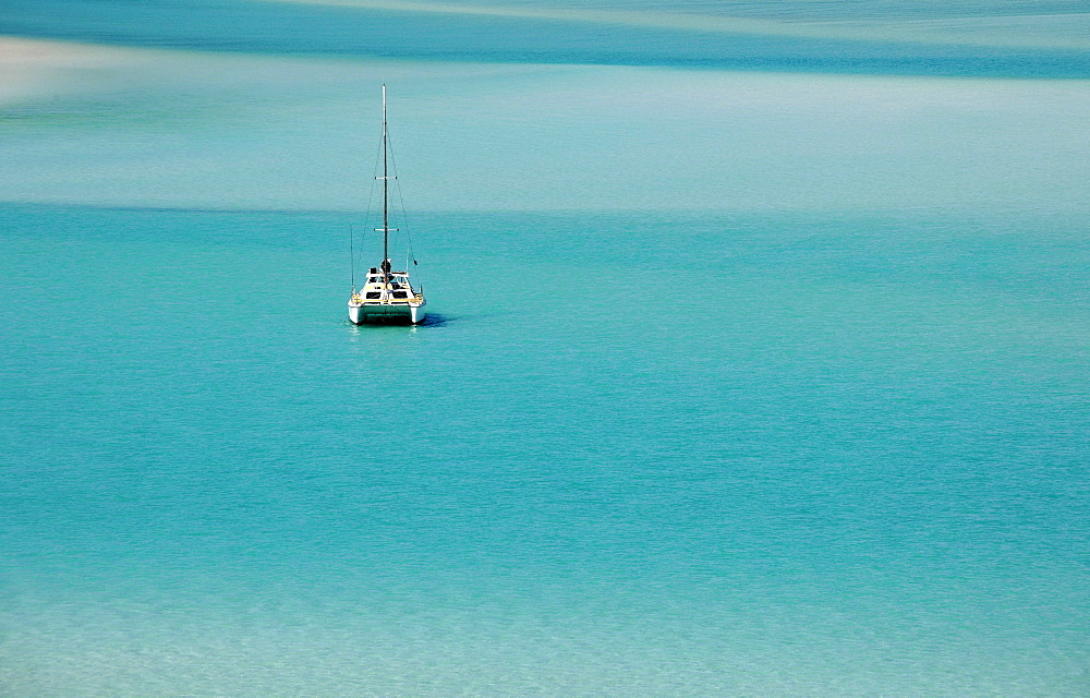 Catamaran, sailboat, sea off Whitehaven Beach, Whitsunday Island, Whitsunday Islands National Park, Queensland, Australia