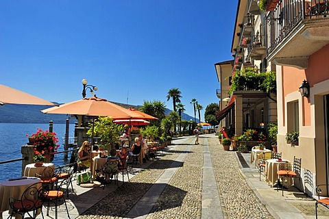 Promenade with restaurant terraces, Lake Maggiore, Cannero Riviera, Piedmont, Italy, Europe