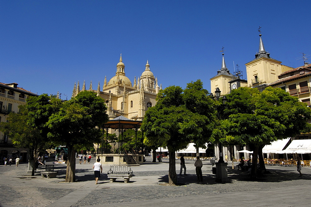 Plaza Mayor, Main square, and Cathedral, Segovia, Castilla Leon, Spain, Europe