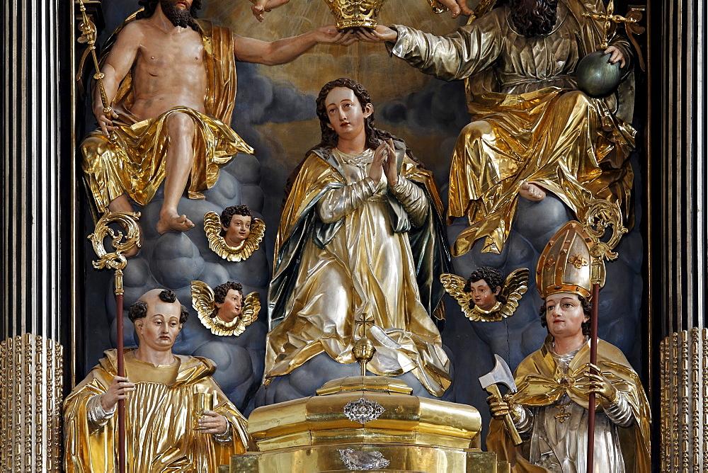 Baroque high altar with carved figures, former abbey church of St. Michael, Basilica minor, Salzkammergut region, Upper Austria, Austria, Europe