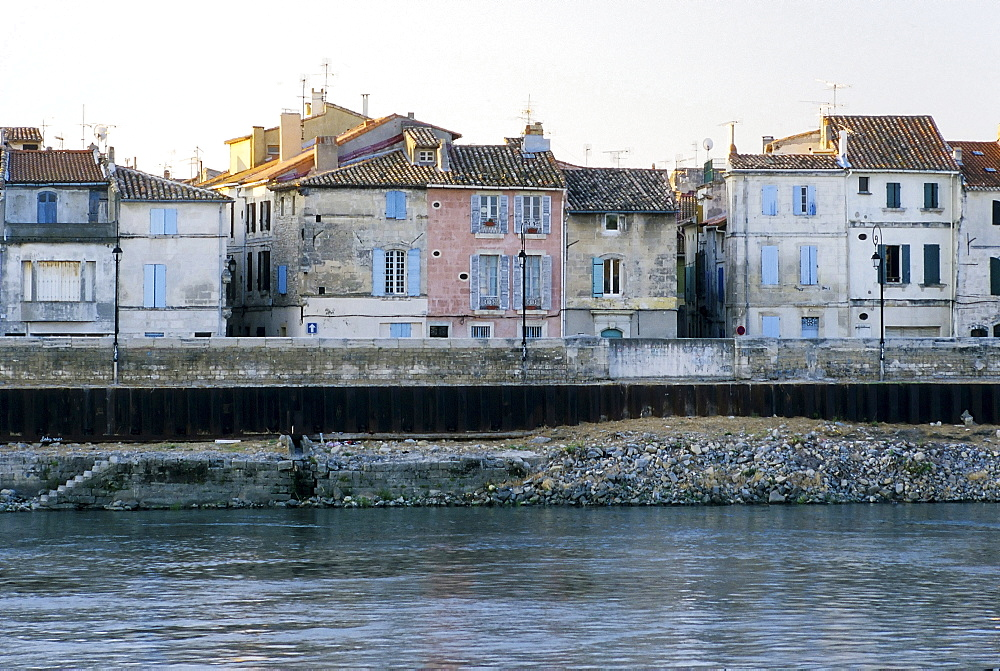 Picturesque old houses on the banks of the Rhone River, Arles, Bouches-du-Rhone, Provence-Alpes-Cote d'Azur, Southern France, France, Europe