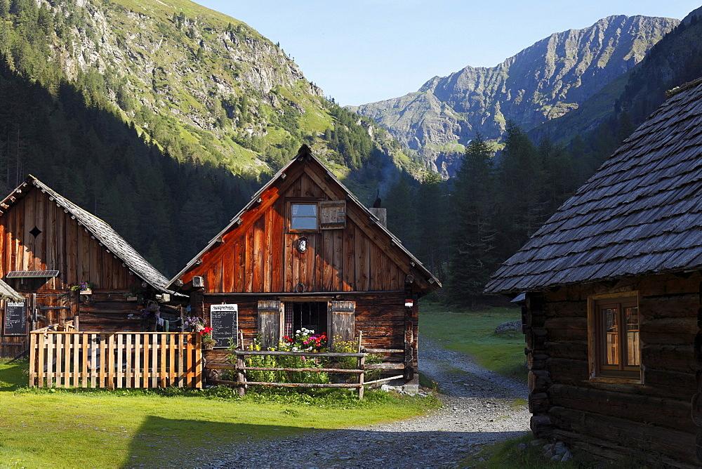Neumann-hut, hut village in Goeriachtal Valley, Goeriach, Lungau, Schladming Tauern, Salzburg state, Salzburg, Austria, Europe