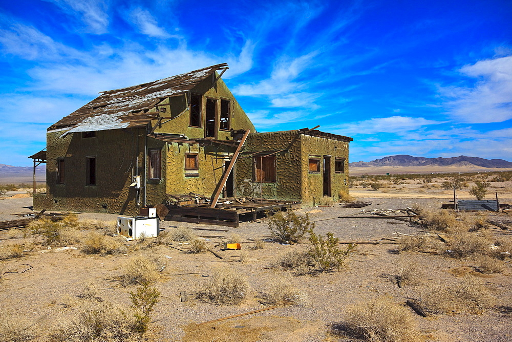 Abandoned house on the historic Route 66, Ludlow, California, USA, North America