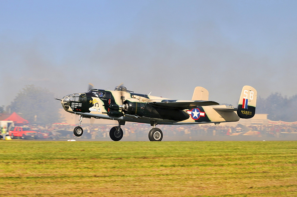 North American Aviation B-25 Mitchell, an American twin-engine medium bomber, Europe's largest meeting of vintage planes at Hahnweide, Kirchheim-Teck, Baden-Wuerttemberg, Germany, Europe
