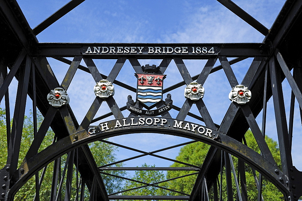 Detail of Andresey Bridge, an iron bridge over the River Trent built in 1884, in the park of Burton upon Trent, Staffordshire, England, Europe