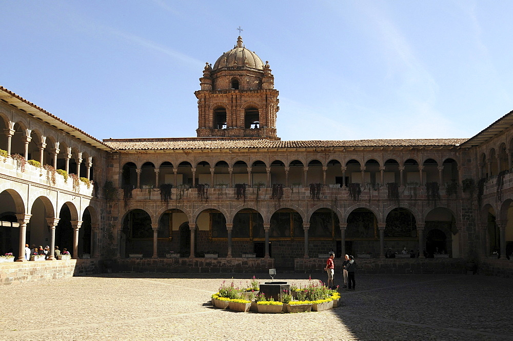 Courtyard, arcades, Santo Domingo Monastery, Cusco, Inca settlement, Quechua settlement, Peru, South America, Latin America