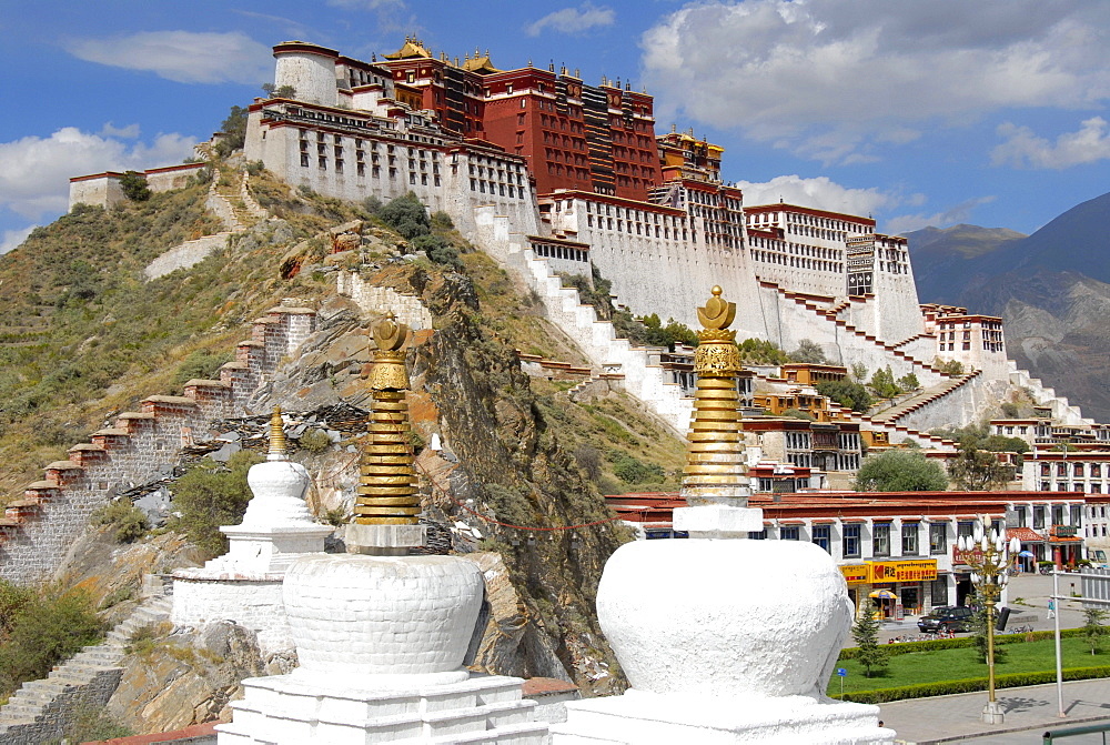 Tibetan Buddhism, white stupas in front of the Potala Palace, winter palace of the Dalai Lama, UNESCO World Heritage Site, Lhasa, Himalayas, Tibet Autonomous Region, People's Republic of China, Asia
