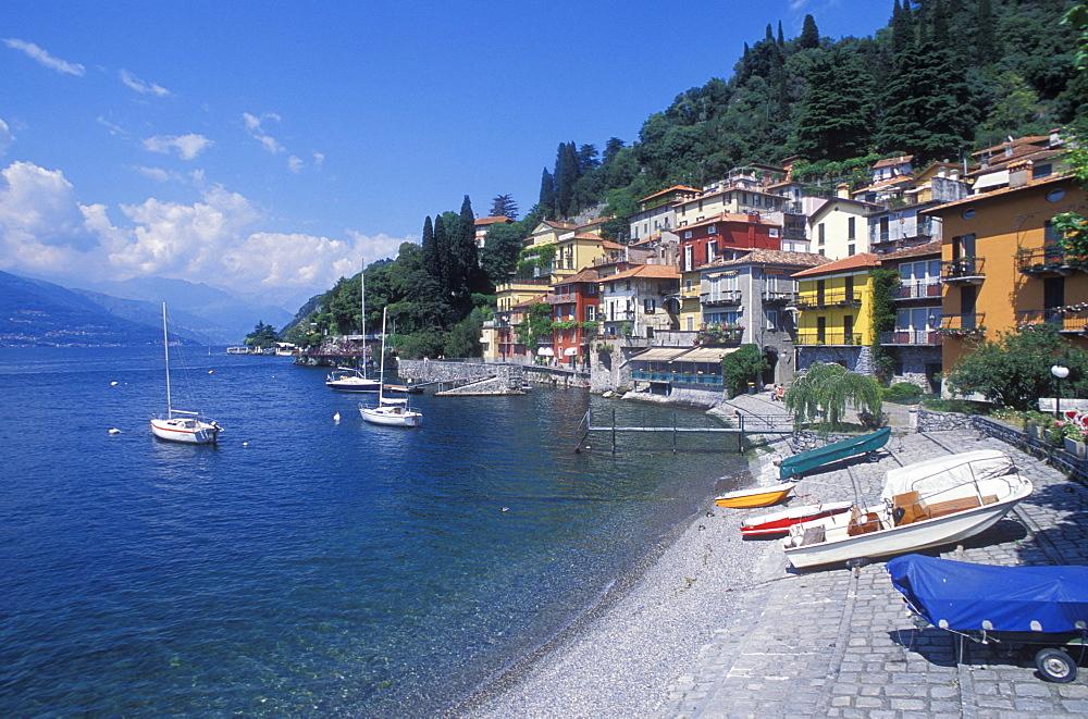 City viwe of Varenna, boats, beach, Lake Como, Italian Lakes, Lombardy, Italy, Europe