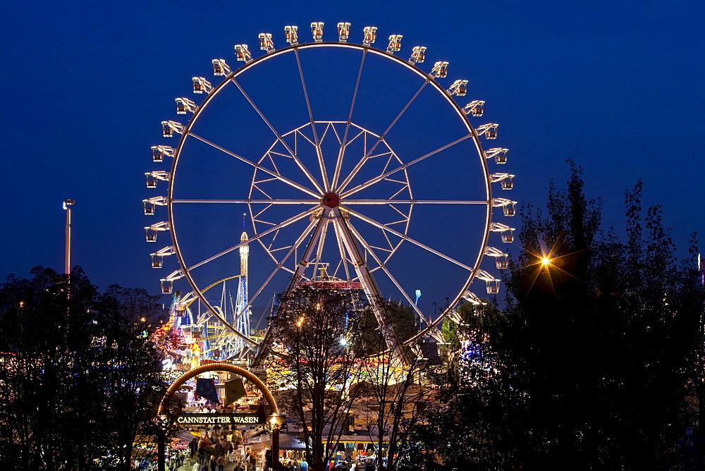 Ferris Wheel at the Stuttgart Beer Festival at night, amusement rides, Cannstatter Volksfest, Stuttgart, Baden-Wuerttemberg, Germany, Europe