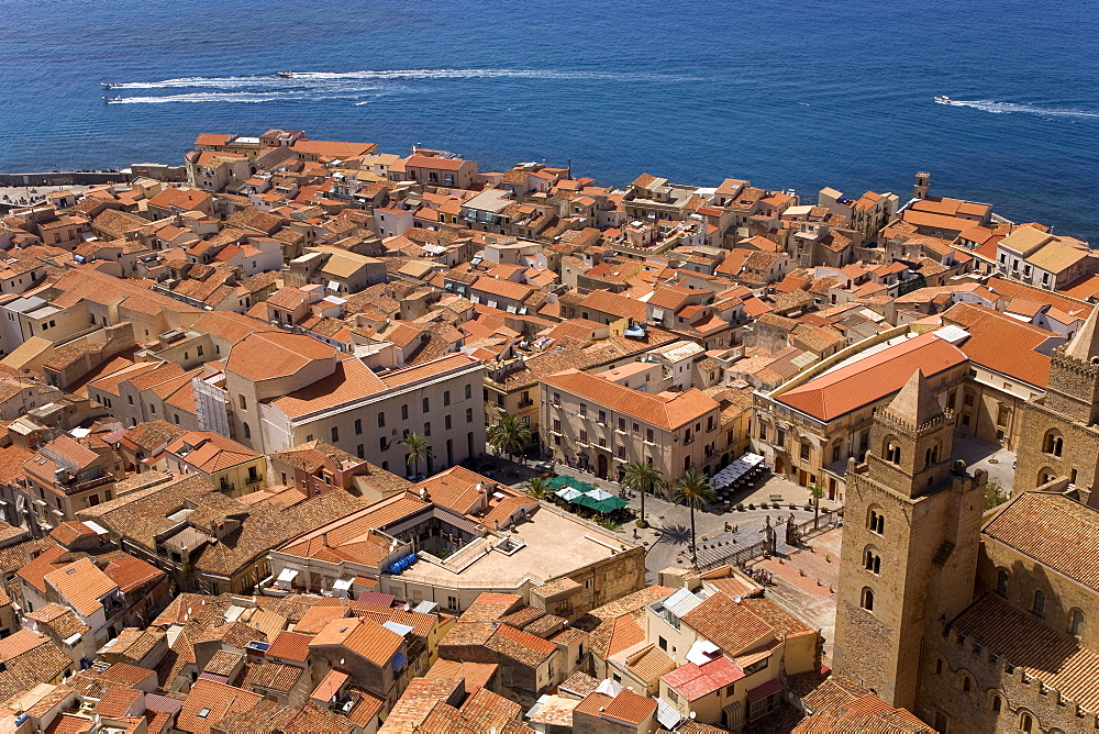 View from the Rocca di Cefalo on the old town of Cefalo, Normannendom cathedral, Cefalu, Palermo Province, Sicily, Italy, Europe