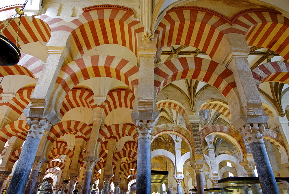 """Interior, """"forest of columns"""", Mezquita, former mosque, now cathedral, Cordoba, Andalusia, Spain, Europe"""