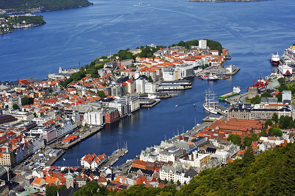 Historic centre with city harbour from the city hill and view point Floyen, Bergen, Norway, Europe