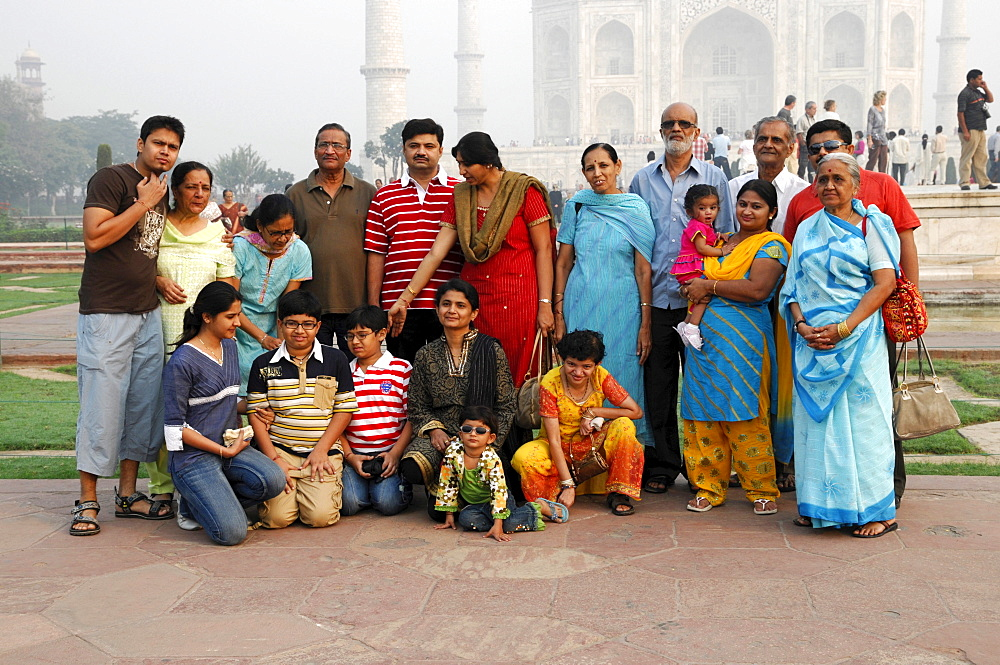 Family outing, family photo at the Taj Mahal, Agra, Rajasthan, northern India, Asia - 832-218213