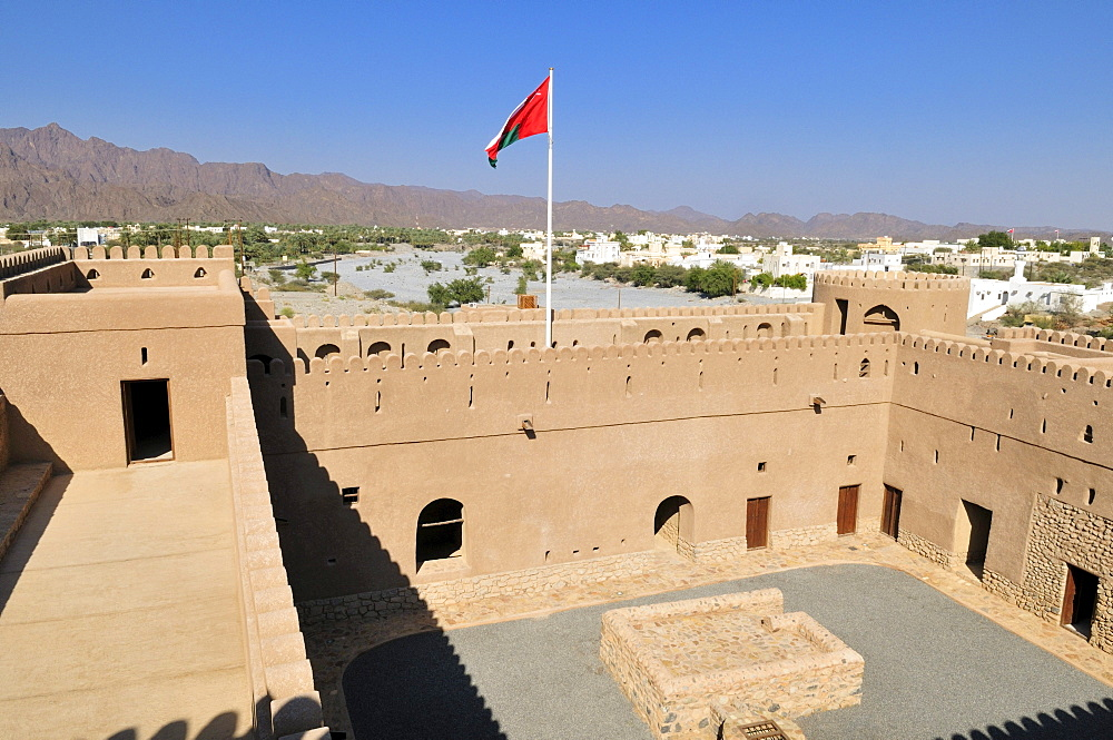 Historic adobe fortification Al Awabi Fort or Castle, Hajar al Gharbi Mountains, Batinah Region, Sultanate of Oman, Arabia, Middle East