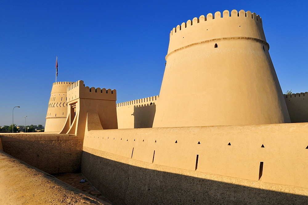 Historic adobe fortification Al Khandaq Fort or Castle, Buraimi, Al Dhahirah region, Sultanate of Oman, Arabia, Middle East