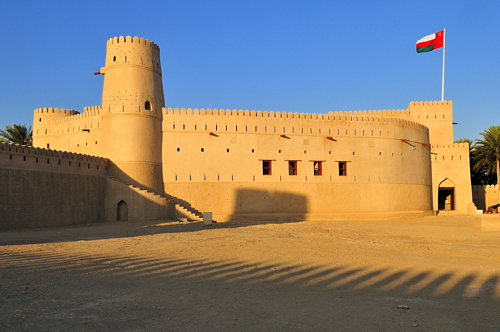 Historic adobe fortification, Jaalan Bani Bu Hasan Fort or Castle, Sharqiya Region, Sultanate of Oman, Arabia, Middle East