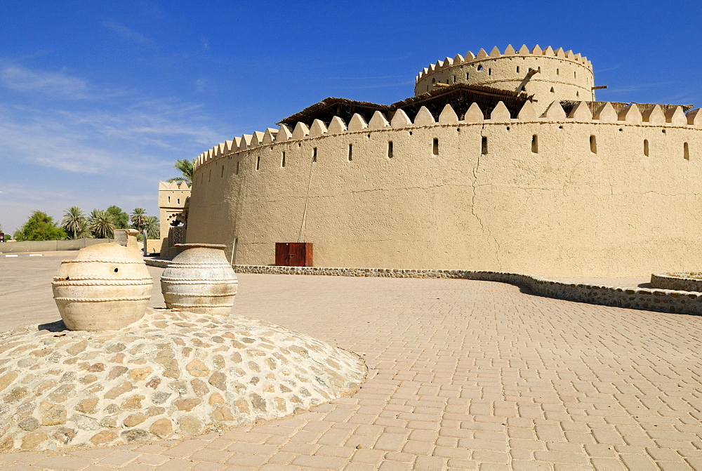 Historic Fort Hili Tower, Al Ain Oasis, Emirate of Abu Dhabi, United Arab Emirates, Arabia, Middle East