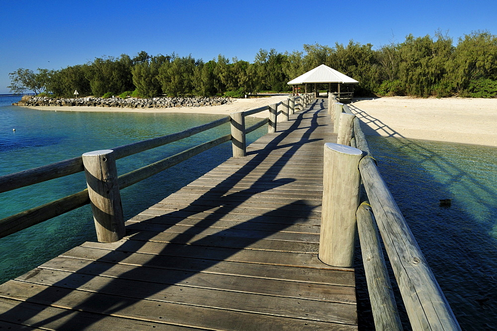 Boat jetty on Heron Island, Capricornia Cays National Park, Great Barrier Reef, Queensland, Australia