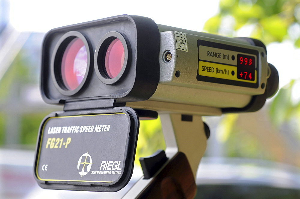Velocimetry, velocity measurement with a laser gun, RIEGEL FG21-P