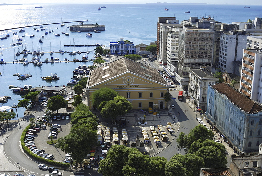 View of the lower city Cidade Baixa with Mercado Modello market hall and the defensive fortification Forte Sao Marcelo, Salvador, Bahia, UNESCO World Heritage Site, Brazil, South America