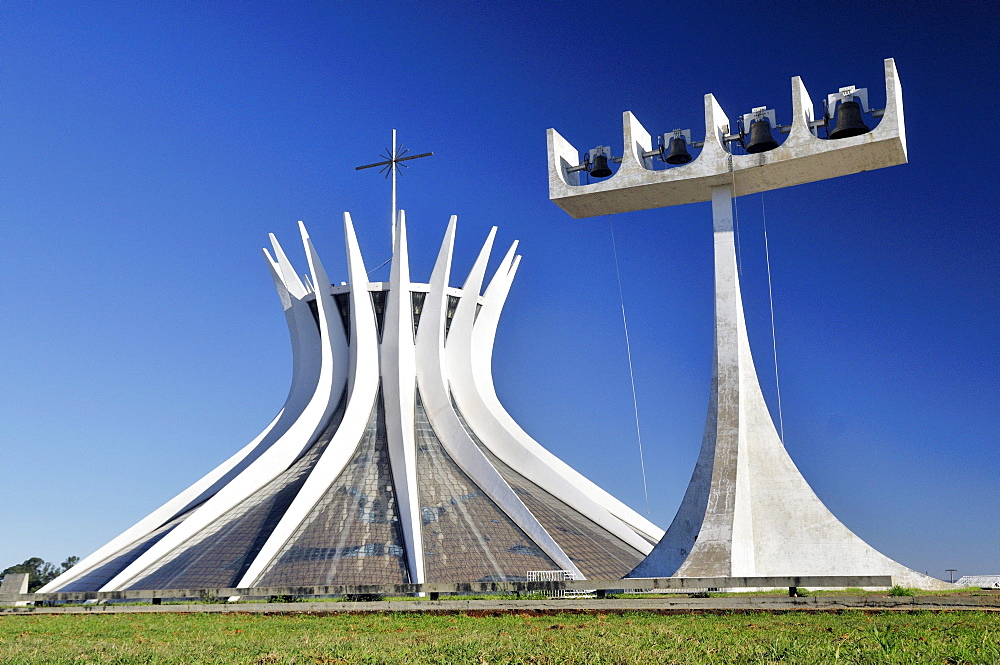 Catedral da Nossa Senhora Aparecida cathedral by architect Oscar Niemeyer, Brasilia, Distrito Federal state, Brazil, South America
