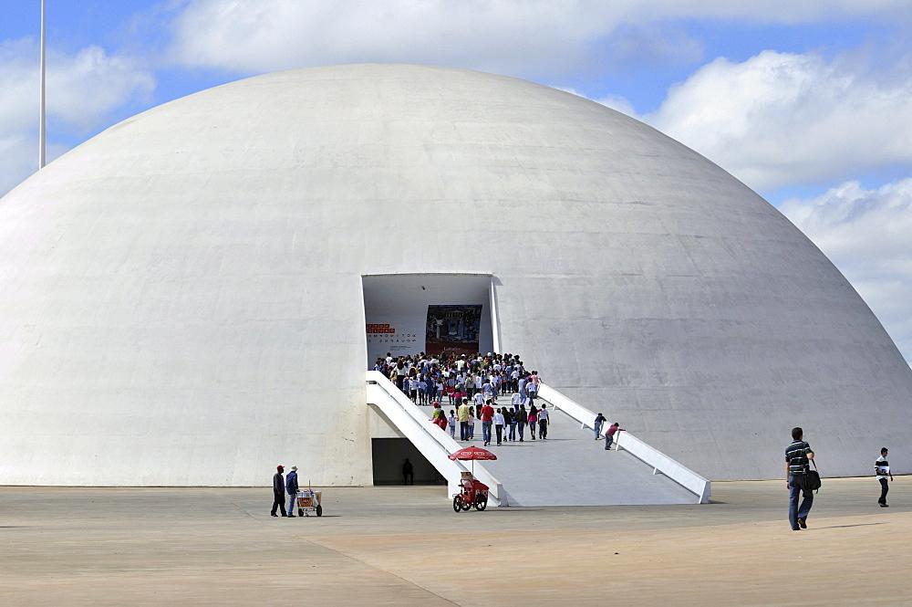 Museu Nacional Honestino Guimaraes National Museum, by architect Oscar Niemeyer, Brasilia, Distrito Federal state, Brazil, South America