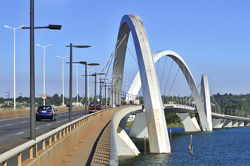 Juscelino Kubitschek Bridge, architect Oscar Niemeyer, Brasilia, Distrito Federal state, Brazil, South America