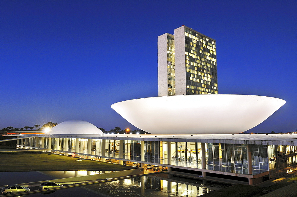 Congresso Nacional Congress building in the evening light, architect Oscar Niemeyer, Brasilia, Distrito Federal state, Brazil, South America