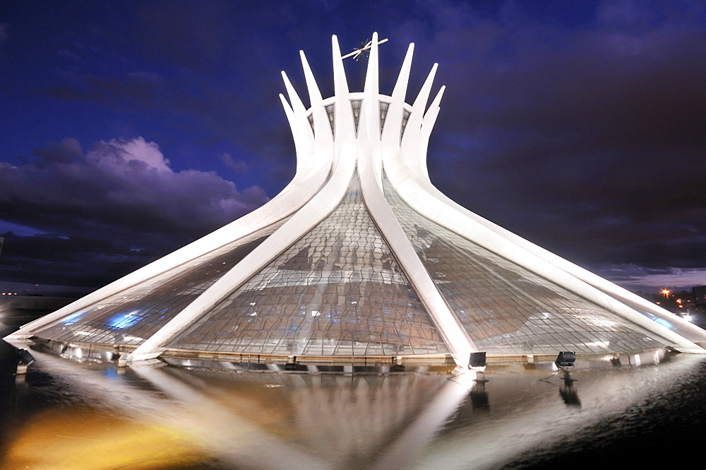Cathedral Catedral da Nossa Senhora Aparecida at night, architect Oscar Niemeyer, Brasilia, Distrito Federal state, Brazil, South America