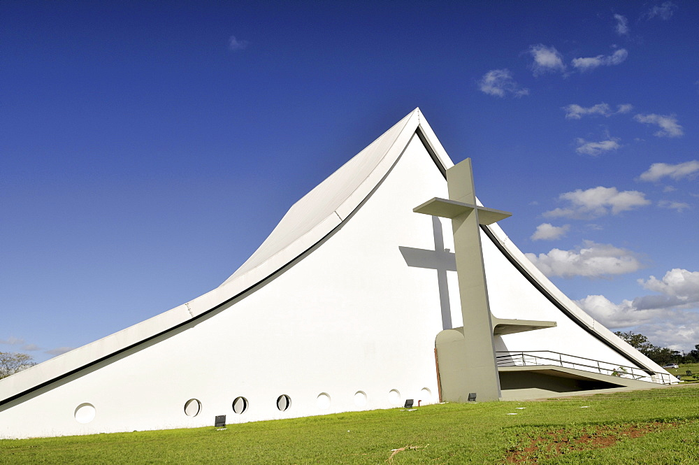 Church Catedral Rainha da Paz, military chapel, the architect Oscar Niemeyer, Brasilia, Distrito Federal state, Brazil, South America
