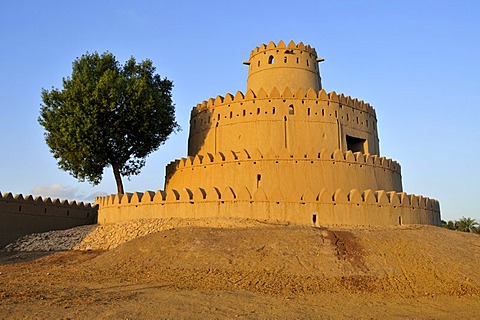 Tower of the Al Jahili Fort, Al Ain, Abu Dhabi, United Arab Emirates, Arabia, the Orient, Middle East