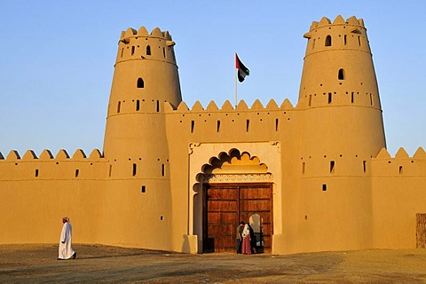 Main entrance of the Al Jahili Fort, Al Ain, Abu Dhabi, United Arab Emirates, Arabia, the Orient, Middle East