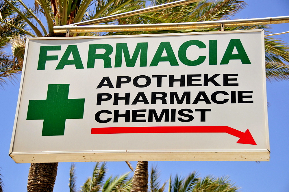 "Sign ""Farmacia/Pharmacy"" at the Playa de Palma, El Arenal, Majorca, Balearic Islands, Spain, Europe"