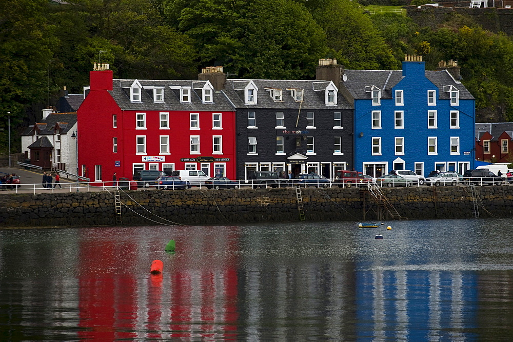 Row of houses, Mainstreet, Tobermory, Sound of Mull, Isle of Mull, Scotland, United Kingdom, Europe