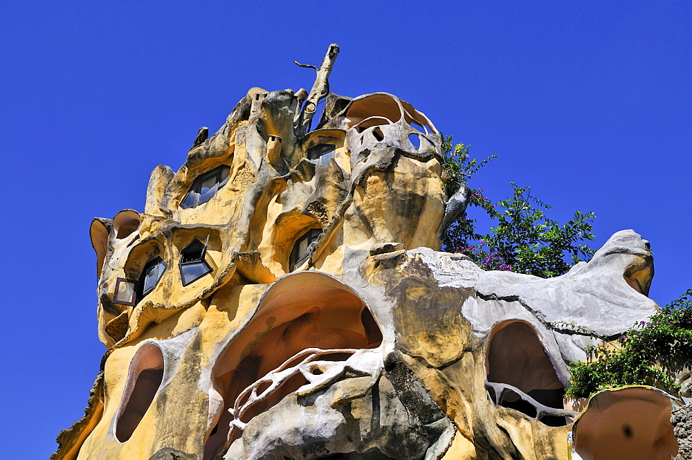 Bizarre building of the Crazy House Hotel, Hang Nga Guesthouse, Dalat, Central Highlands, Vietnam, Asia