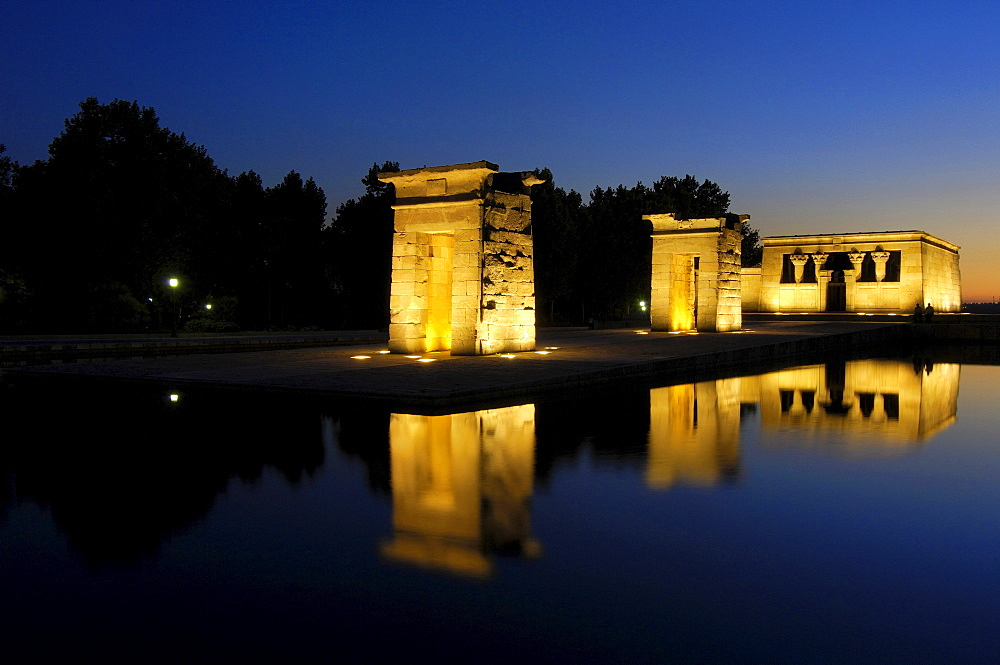 Egyptian temple of Debod, 2nd century BC, at dusk, Madrid, Spain, Europe