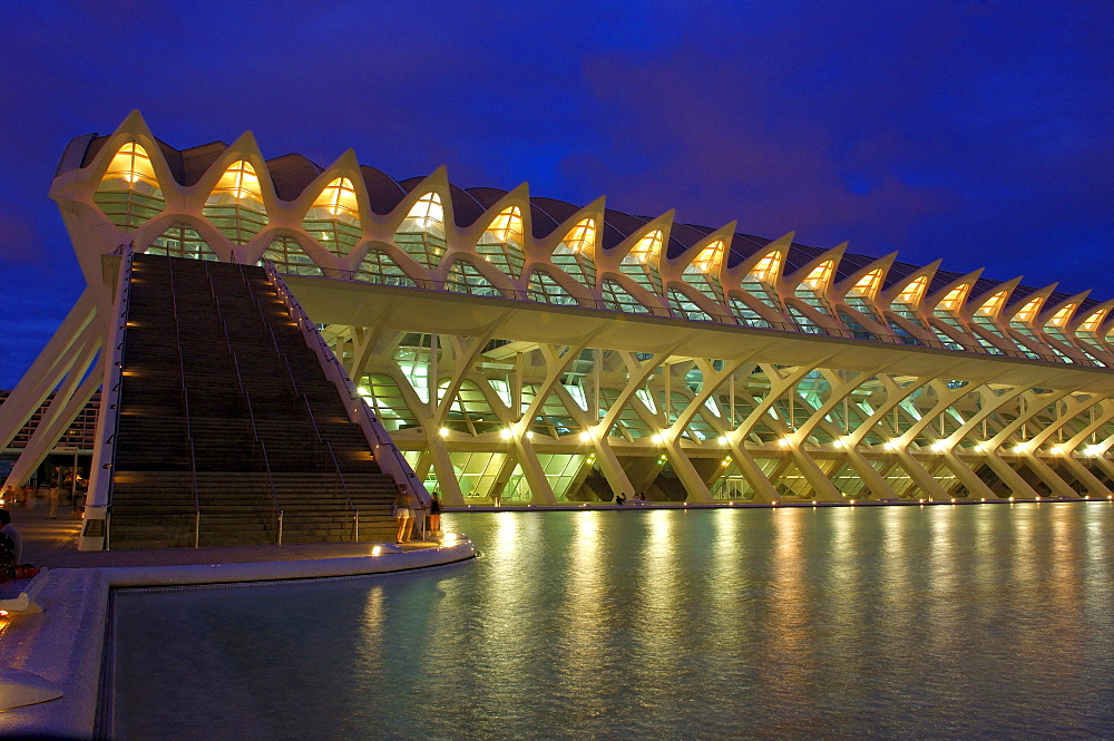 Principe Felipe museum of sciences at dusk, City of Arts and Sciences, Comunidad Valenciana, Valencia, Spain, Europe