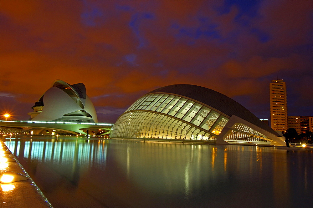 Palace of Arts Reina Sofia and L'Hemisferic at dusk, by S. Calatrava, City of Arts and Sciences, Comunidad Valenciana, Valencia, Spain, Europe