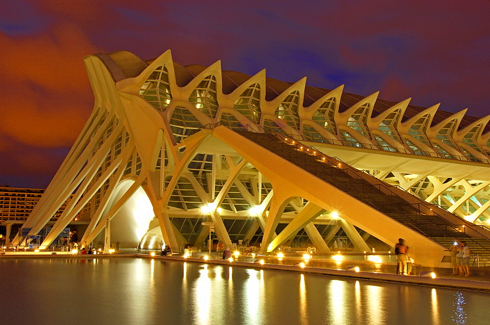 Principe Felipe museum of sciences at dusk, by S. Calatrava, City of Arts and Sciences, Comunidad Valenciana, Valencia, Spain, Europe