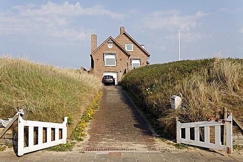 Holiday cottage in the dunes, open gate, Bergen aan Zee, Netherlands North Sea Coast, Holland, Netherlands, Europe