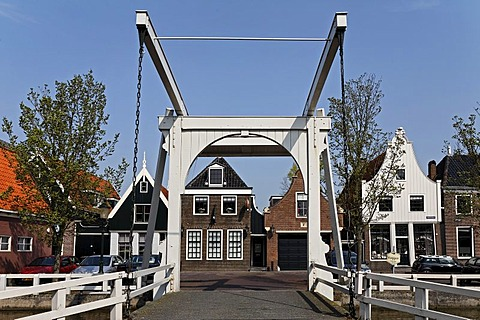Wooden drawbridge, lift bridge, in the historic city De Rijp near Alkmaar, Province of North Holland, Netherlands, Europe